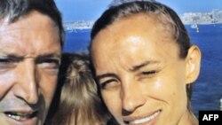 Элиза с мамой и папой.