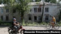 Дом в Донецке после обстрела, июнь 2019 года
