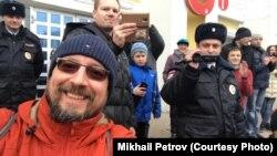 Михаил Петров на несанкционированном митинге против коррупции 26 марта 2017 г.