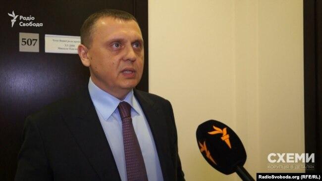 Член Вищої ради правосуддя Павло Гречківський чомусь не вніс у декларацію користування автівкою з дипломатичними номерами