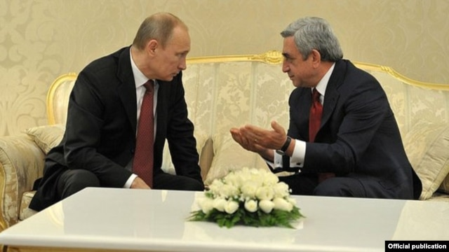 Presidents Vladimir Putin (left) of Russia and Serzh Sarkisian of Armenia during a meeting in Turkmenistan in December.