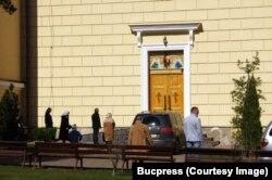 Enoriași la biserică în Cernăuți