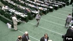 Иран парламентінің кезекті отырысы жүруде
