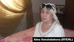 Жительница поселка Жанакорган Кызылординской области Сара Максут. 27 июня 2014 года.