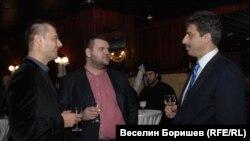 А имаше време, когато Пеевски се появяваше на публични събития със свои близки хора.