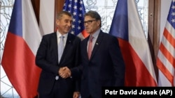 Czech Prime Minister Andrej Babis (left) meets with U. S. Energy Secretary Rick Perry in Prague on November 14.