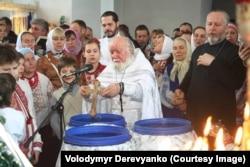 Богослужение в храме села Рубановское Днепропетровской области, прихожане которого приняли решение перейти в ПЦУ