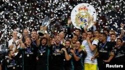 Мадридський «Реал» із Суперкубком УЄФА