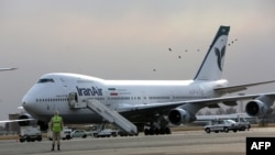 Iran -- An Iran Air Boeing 747 passenger plane sits on the tarmac of the domestic Mehrabad airport in the Iranian capital Tehran, January 15, 2013