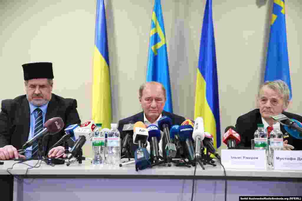 Умеров и Чийгоз объявили о том, что собираются возвращаться в Крым и бороться за освобождение политзаключенных.