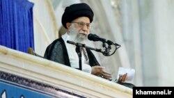 Аятолла Әли Хаменеи үндеу жасап тұр. Тегеран, 4 маусым 2017 жыл.