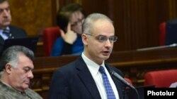 Руководитель парламентской фракции «Армянский национальный конгресс» Левон Зурабян (архив)