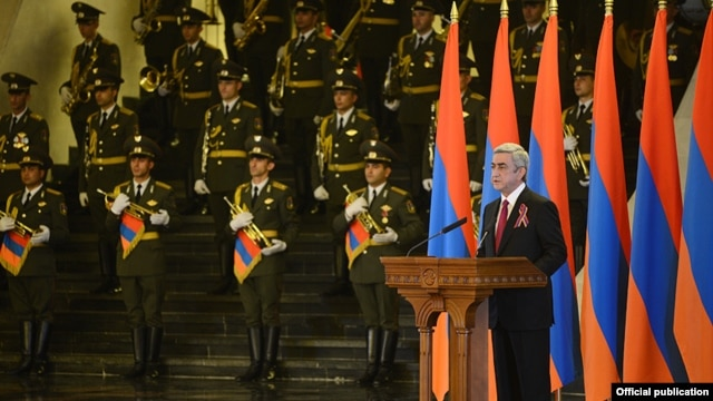Armenia - President Serzh Sarkisian speaks at an Independence Day reception in Yerevan, 21Sep2013.