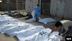 دست کم ۴۶۱ نفر در يک هفته اخير و در پی درگيری ها میان طرفداران صدر و نیروهای دولتی عراق کشته شده اند.( عکس: EPA)