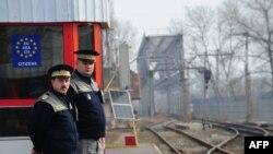 Румынияның шекара офицерлері. 18 қаңтар 2011 жыл. (Көрнекі сурет)