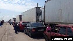 Черга з фур на адмінгкордоні з Кримом. Пункт пропуску «Чонгар»