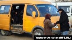 Маршрутка на автостанции в Каспийске, Дагестан