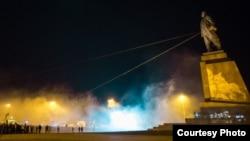 Повалення пам'ятника Леніну в Харкові, 28 вересня 2014 року