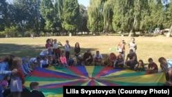 Вихованці Винниківського інтернату грають в ігри