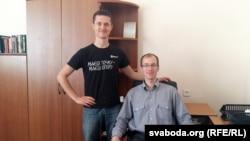 Дасьледчыкі ўкраінскага вызваленчага руху — Паўло Падабед (зьлева) ды Ігар Бігун