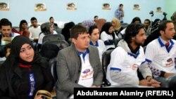 شباب من البصرة يطالبون بتخفيض سن المرشح للانتخابات