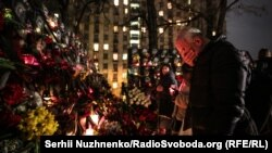 Вечір пам'яті Небесної сотні на майдані Незалежності у Києві – фотогалерея