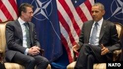 претседателот на САД Барак Обама и генерланиот секретар на НАТО Андерс Фог Расмусен