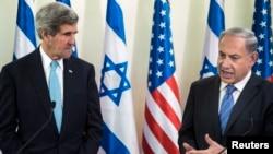بنیامین نتانیاهو، نخستوزیر اسرائیل (راست) و جان کری، وزیر امور خارجه آمریکا