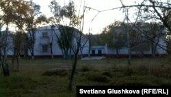 Здание пресвитерианской церкви «Благодать». Астана, 15 октября 2013 года