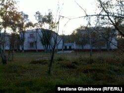 """Здание церкви """"Благодать"""". Астана, 15 октября 2013 года."""