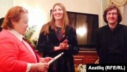 Музыка белгече Наилә Гәрәева (с) һәм язучы Альбина Әпсәләмова, пианист Рэм Урасин