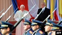 Papa Benedikti XVI dhe presidenti i Çekisë, Vaclav Klaus.