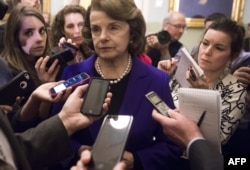 Дайян Файнстин отвечает на вопросы журналистов после обнародования отчета в Сенате США