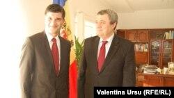 Alexandre Faria împreună cu ambasadorul moldovean la Lisabona Valeriu Turea