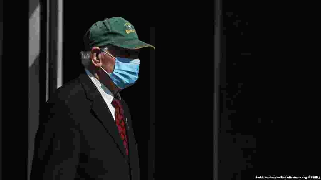 МАКЕДОНИЈА - Во последните 24 часа се направени 1.848 тестирања, а регистрирани се 141 нов случај на Ковид-19, двајца починати пациенти и 175 оздравени, соопшти Министерството за здравство.