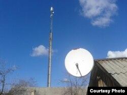 Вежа мобільного зв'язку «віджатого» «Київстару» у Торезі (фото автора)