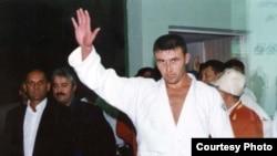 Паҳлавони тоҷик Парвиз Собиров.