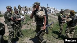 Український опорний пункт біля Мар'їнки в час попередніх боїв, червень 2015 року