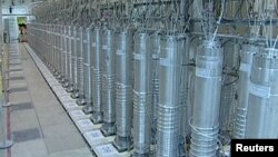 Иранның уран байытатын центрифугалары мемлекеттік телеарнадан көрсетілді. 15 ақпан 2012 жыл.
