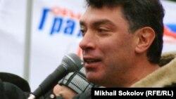 Борис Немцов на митинге 24 ноября 2007 года