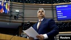 Budimpešta će blokirati svaku akciju oduzimanja prava glasa Poljskoj u EU, poručio Orban
