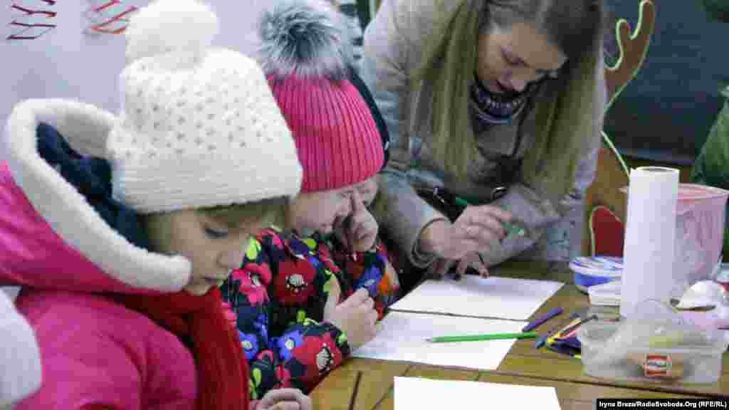 Під час фестивалю проходять майстер-класи і акція «Різдвяна листівка з Ужгорода»