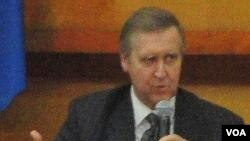 ویلیام کوهن، وزیر دفاع اسبق آمریکا.