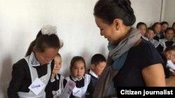 Жаннат Бектурова Кыргызстандагы окуучулар менен