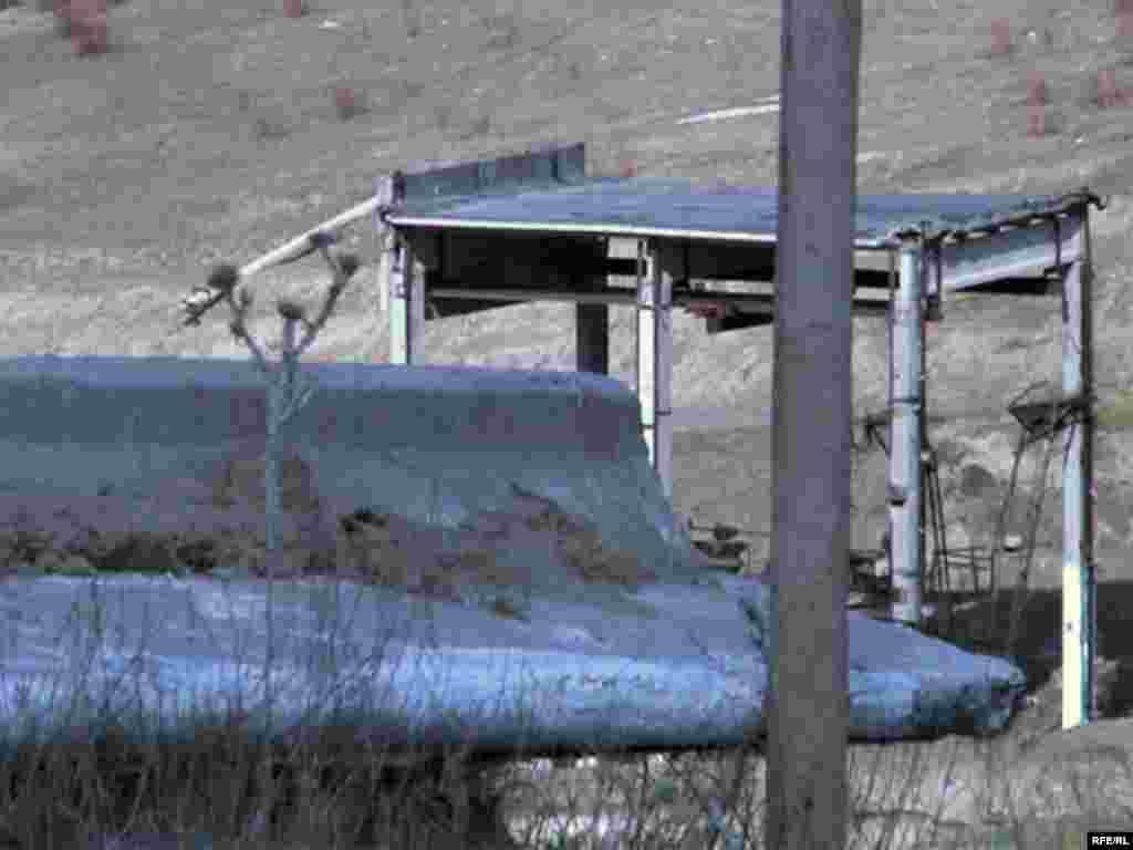 Разрушенная Кызылагашская дамба.