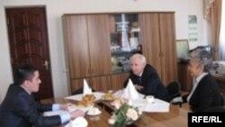 Сулдан уңга: Азамат Галин, Ринат Закиров, Фирдәвес Бәширова
