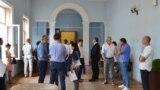 В холле территорияльной избирательной комиссии Ялты, июль 2019 года