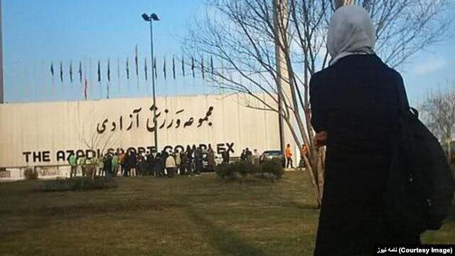 ممنوعیت تماشای مسابقههای مردان از سوی زنان در ورزشگاههای ایران