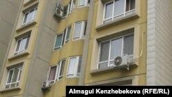 Көппәтерлі тұрғын үйдегі кондиционерлер. Алматы, 16 наурыз 2016 жыл.