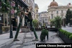 Terasă din Centrul Vechi, București, pregătindu-se pentru redeschidere